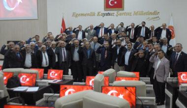 """""""Türk Askeri harekata başlayınca siyaset biter"""""""