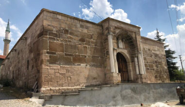 Anıtkaya Kervansarayı MERCEKALTINDA