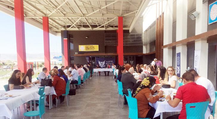 Özel Afyon Girne Koleji çalışanlarına tanışma kahvaltısı