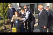 İGM üyeleri engelli gence araç hediye etti