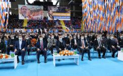 """""""AK Parti kadar gençlere güvenen başka bir parti yok"""""""