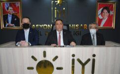 """Muhammet Mısırlıoğlu'ndan iktidara ve AK Parti Milletvekili Ali Özkaya'ya ağır göndermeler: """"Sayın Vekilim hangi kafayı yaşıyorsun?"""""""