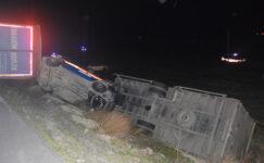 Tır, jandarma aracı ve otomobile çarptı: 2'si uzman çavuş 6 yaralı