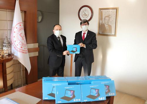 Tabletler Milli Eğitim Müdürlüğü'ne teslim edildi