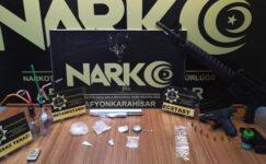 Uyuşturucu tacirleri kıskıvrak yakalandı