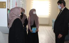 Yalçın öğretmen ve öğrencilerle sohbet etti