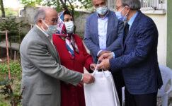 Şuhut'ta 50 yıllık çiftlere hediye verildi