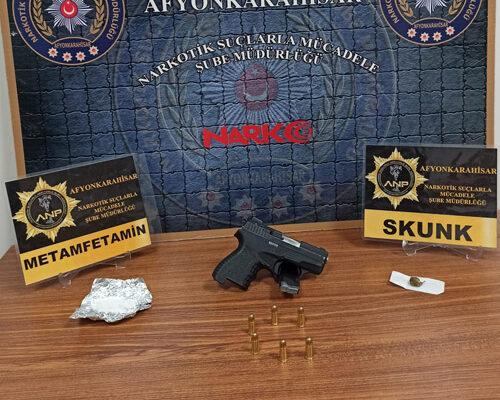 Afyon polisi uyuşturucuya GEÇİT VERMİYOR