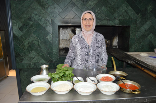 Afyonkarahisar'ın besleyici lezzeti: İlibada dolması