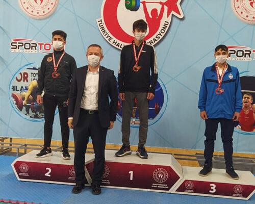 Eker, 152 kilogram ile Türkiye ikincisi oldu