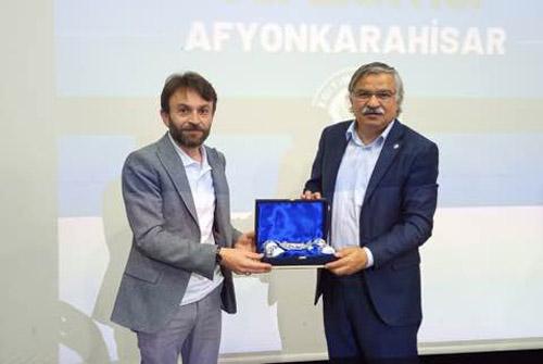 Selvi, Afyon teşkilatının başarısını kutladı