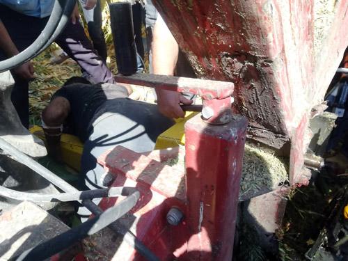 Bacağını silaj makinesine kaptıran kişi yaralandı
