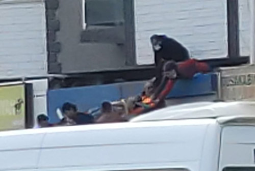 Yabancı uyruklu  genç kız, 7'nci kattan düştü