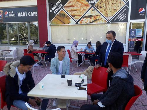 Rektör Karakaş, öğrenci kantinlerini ziyaret etti